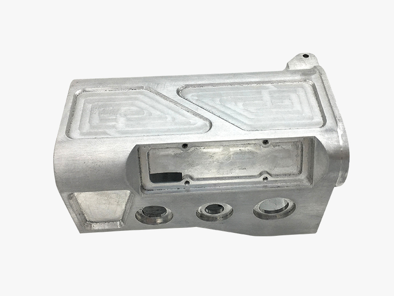 What is the reason for the huge market of investment casting molds and die casting molds?